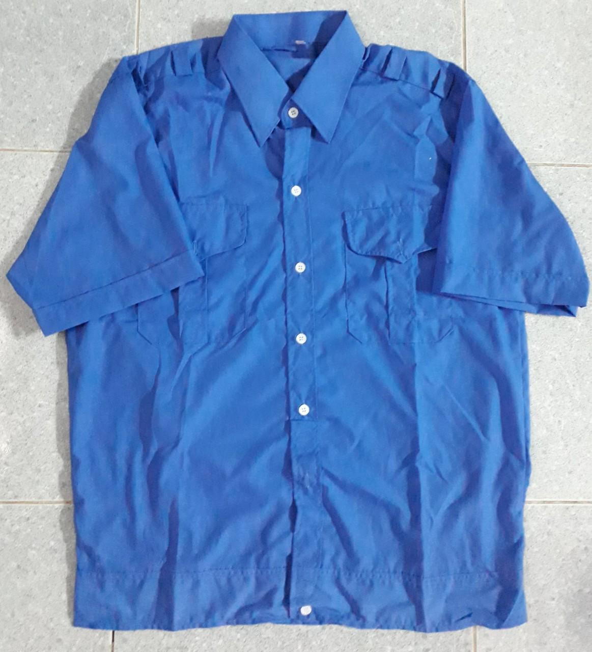 Áo bảo vệ may sẵn tay ngắn có bo màu xanh đậm